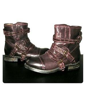 UGG Collection Elisabeta Boots-7.5